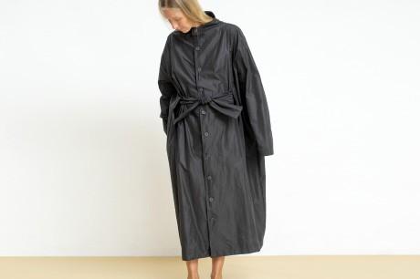 מעיל מרובע ארוך בצבע שחור